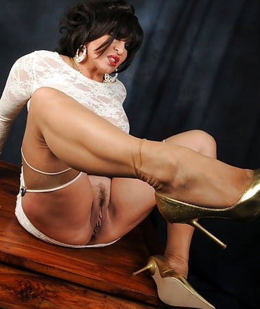 Nackt  Amanda Moreno Curvy Erotic