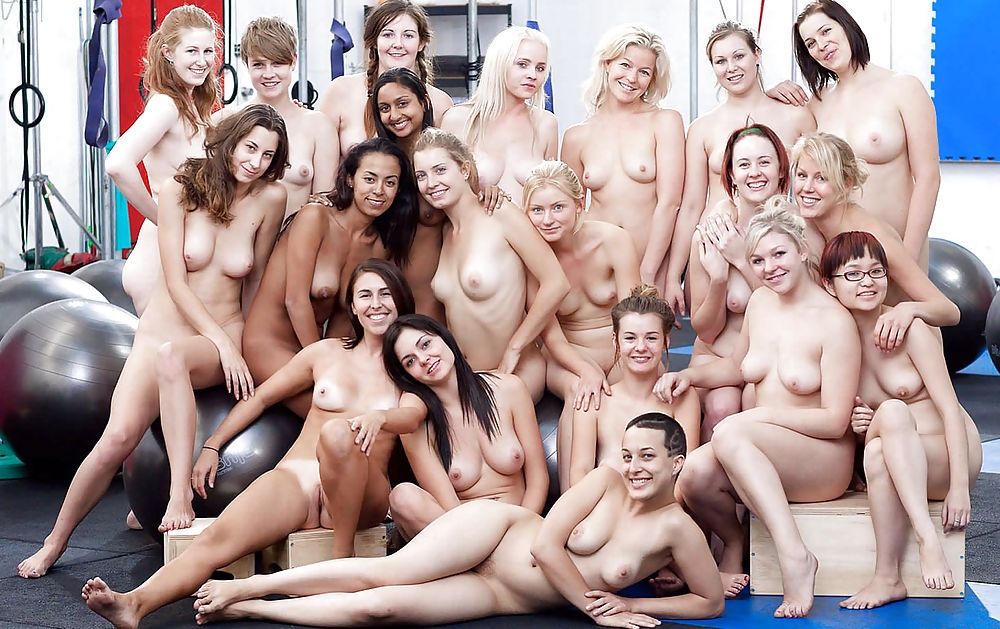 Women sexy nude in groups #14