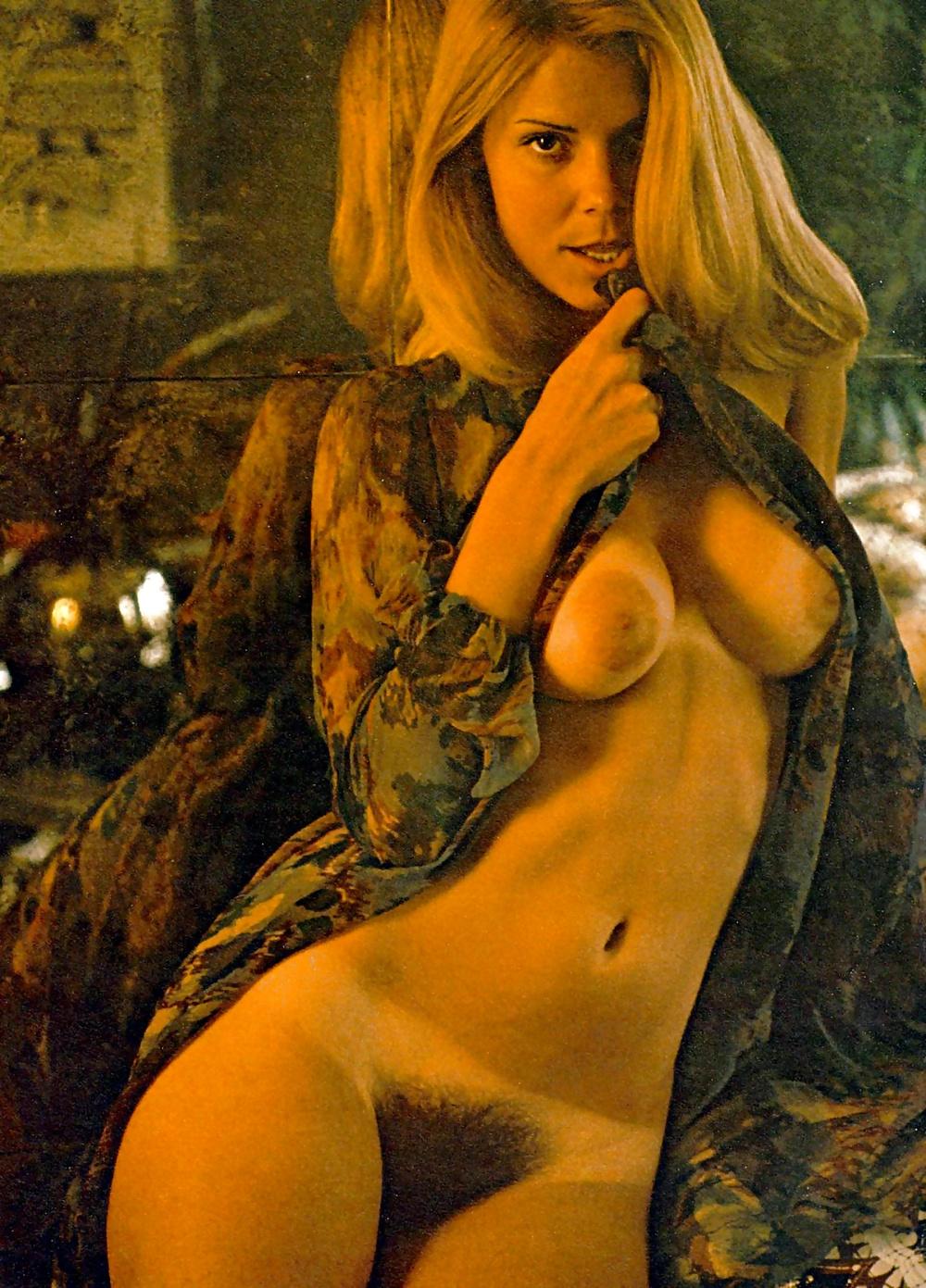 lisa-hanson-naked-nude-milf-motherhood