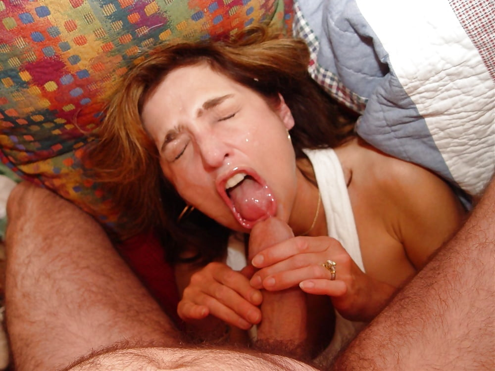 Mom Handjob Son Porn Pics