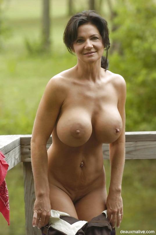 Beauty nude mature