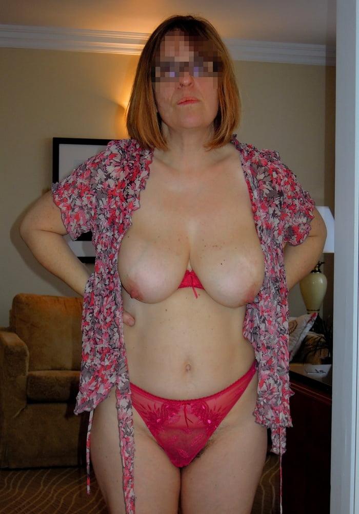 Matur Big Soft Boobs In Black Bra