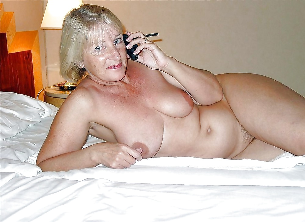 Cheap wank with granny