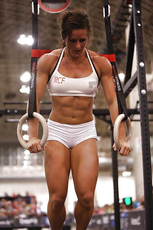 sexy-muscle-cameltoe-mature-women-tied-up-bondage-photos