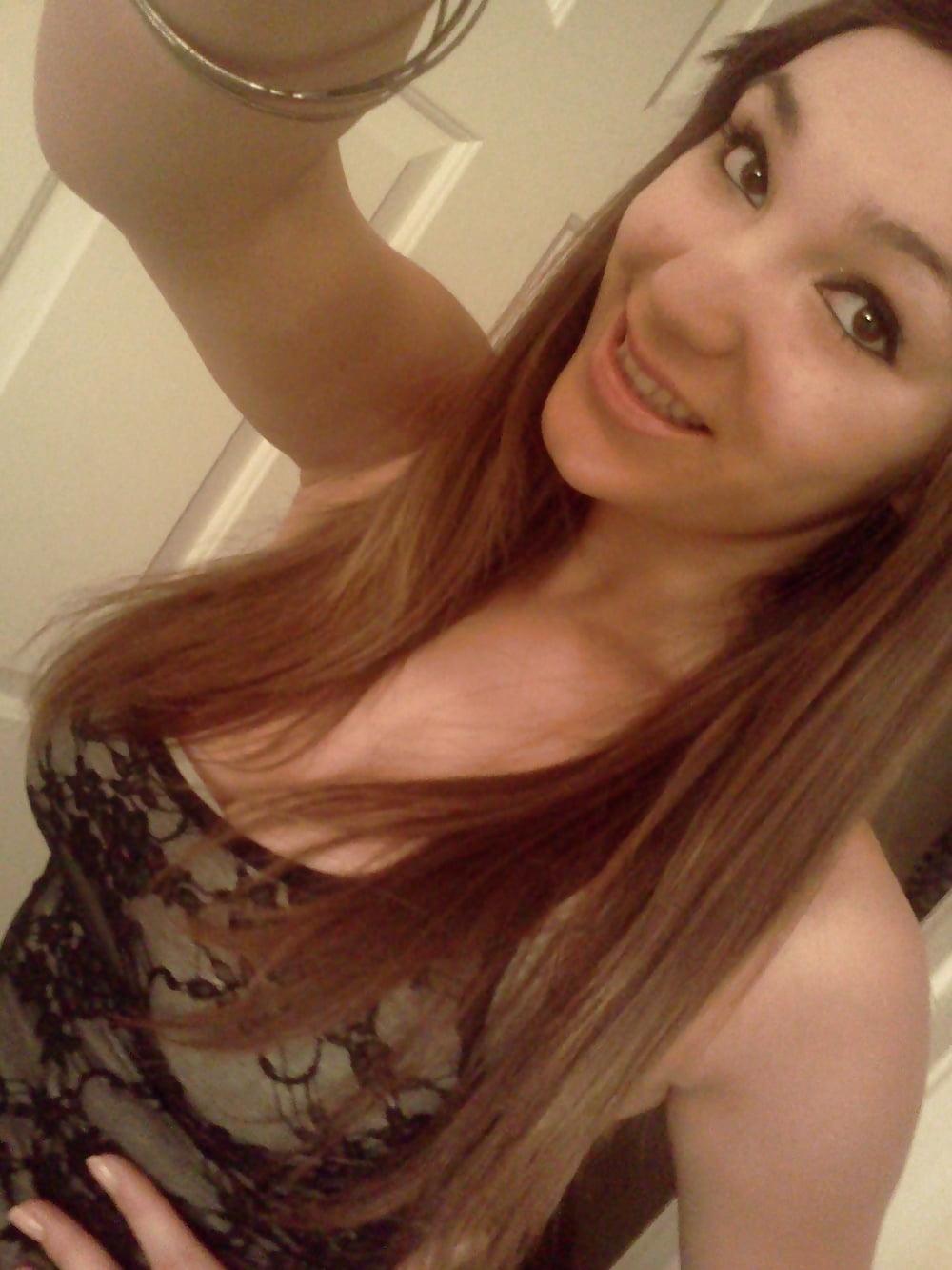 Hot brunette college girl-9283