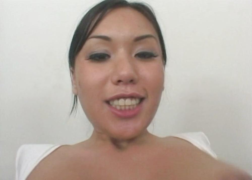Avena lee decides public sex is the best and sucks dude039s cock in diner - 1 4