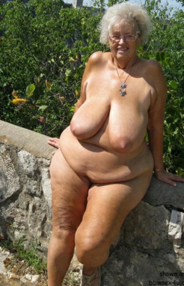 Schwuler Granny Brustwarzen Kuessen