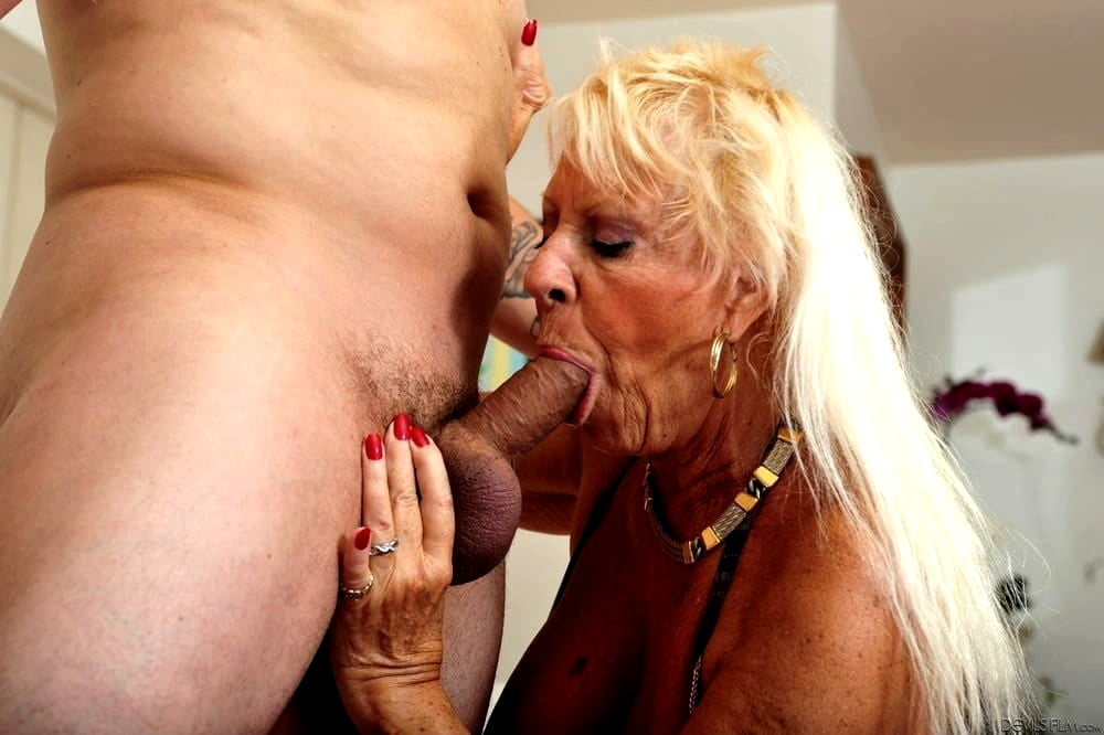Hot old mature sex — pic 11