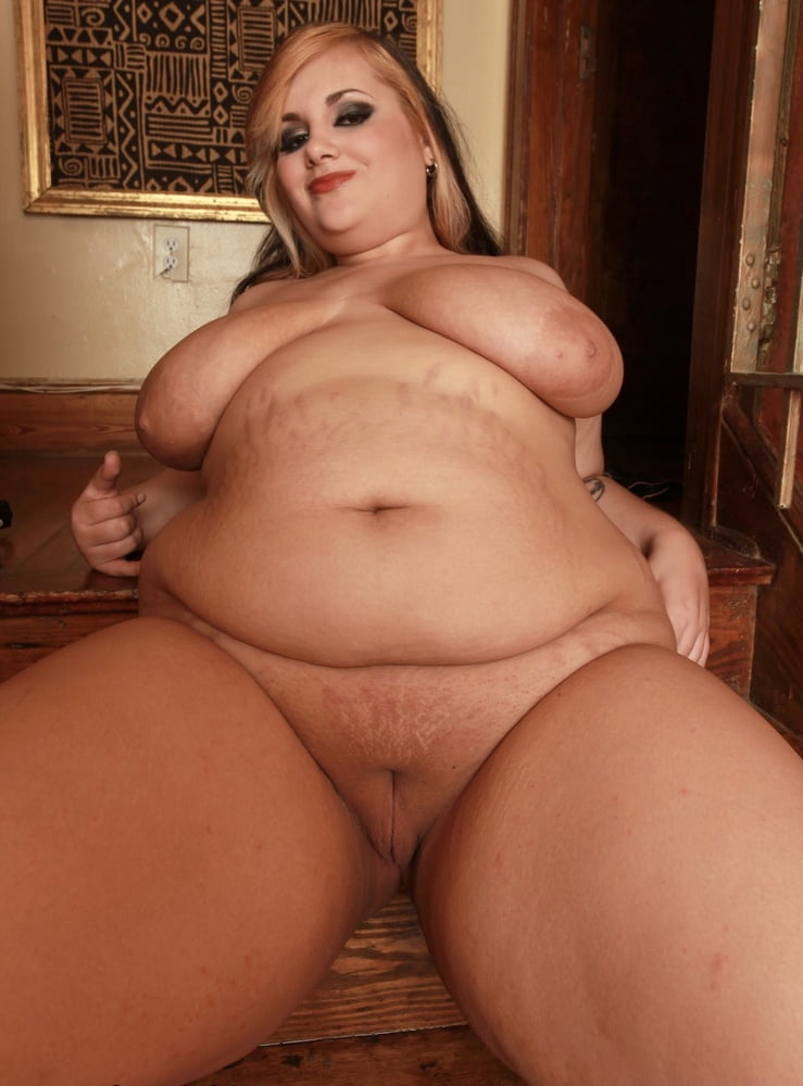 BBW BELLIES Jiggle Around The Middle - 37 Pics