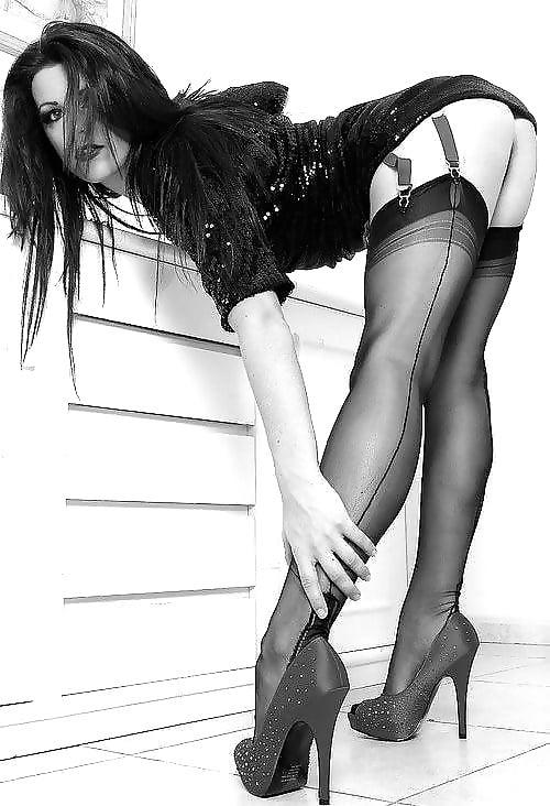 Sexy in Black & White 2 - 40 Pics