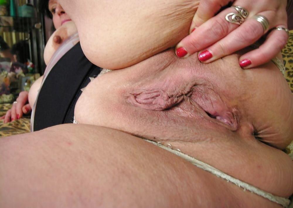Plumper pussy pierced