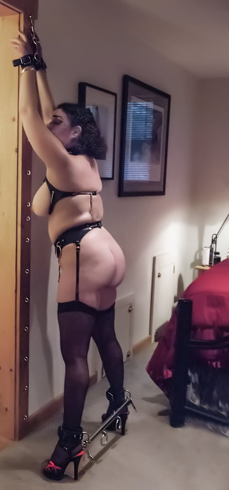 Cuffed Nude - 9 Pics