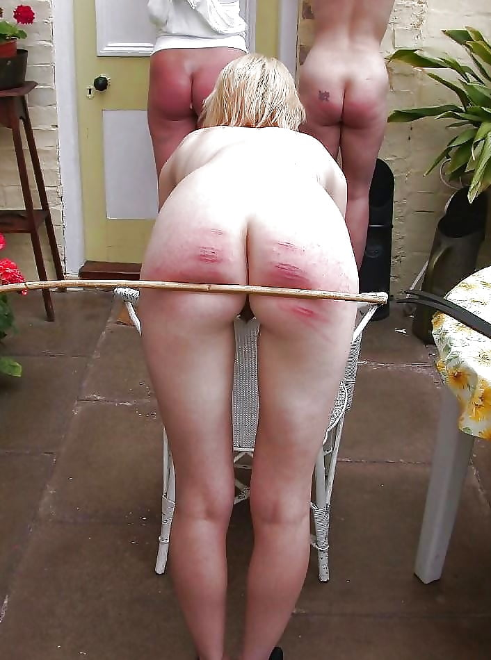 Caned nude — pic 9
