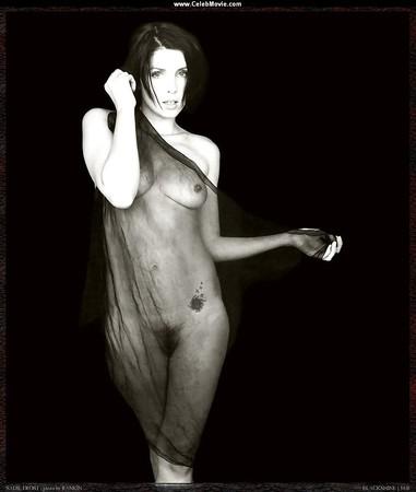 Sadie Frost  nackt