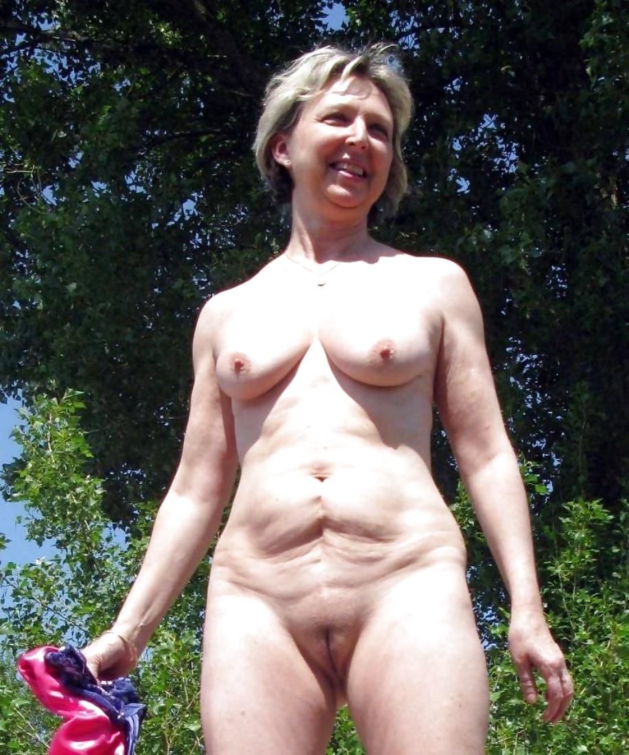 Rapper middle aged female nudist jessica parker nude