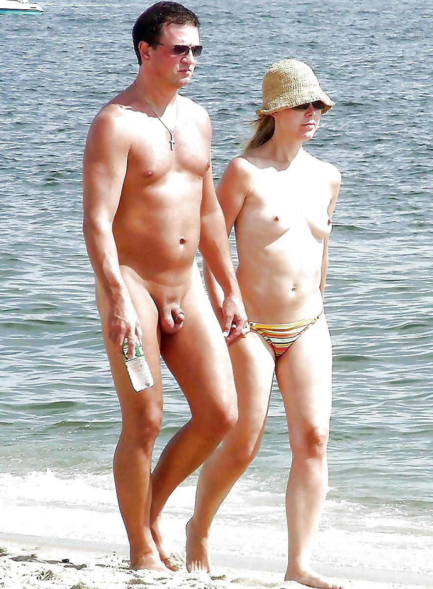 Erect naked paparazzi — photo 4
