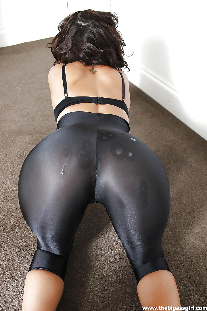 xxxshort-short-spandex-ass-wank-over-my-wife-nude