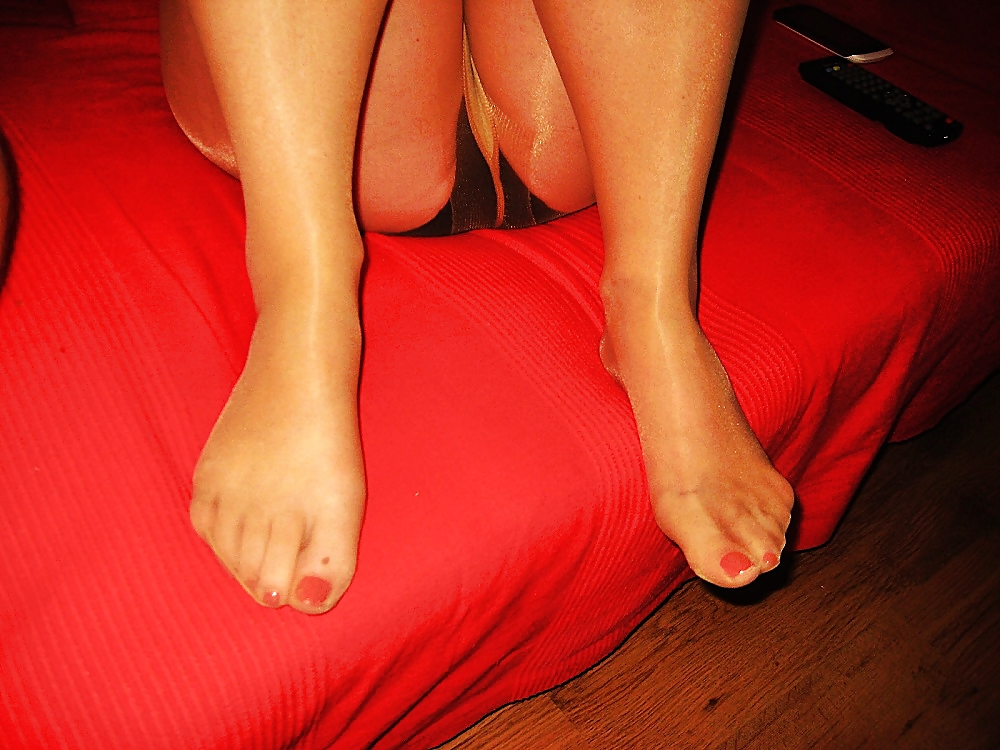 Be. final, wet smelly pantyhose