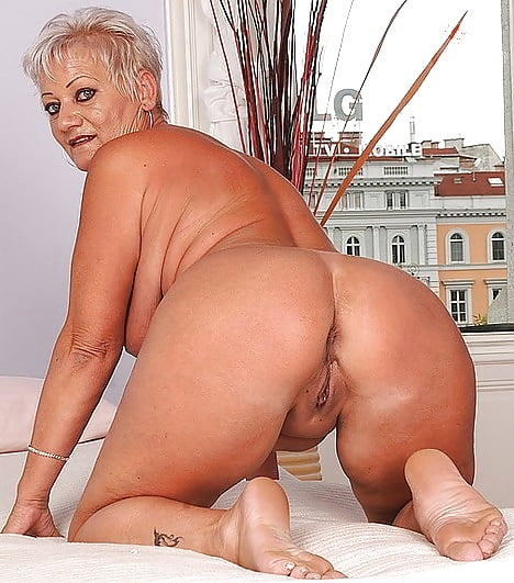 sexy-granny-booty