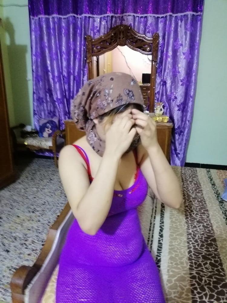 Iraqi Wife- 13 Pics