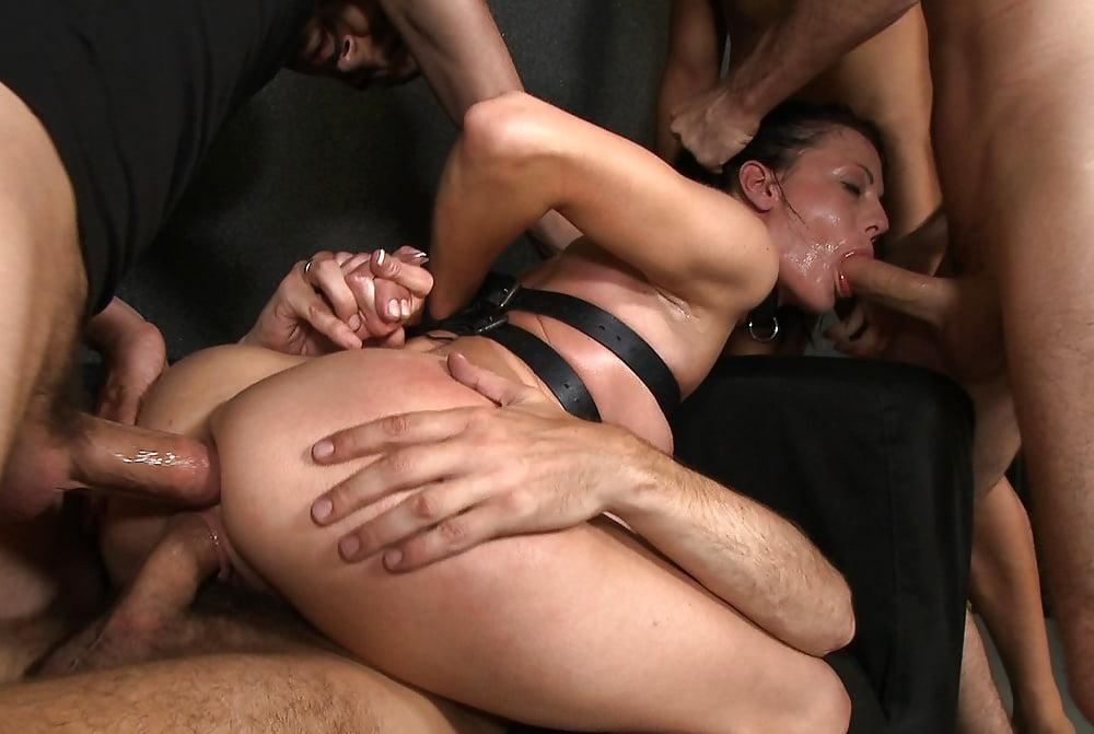 Порно жесткое групповое старое