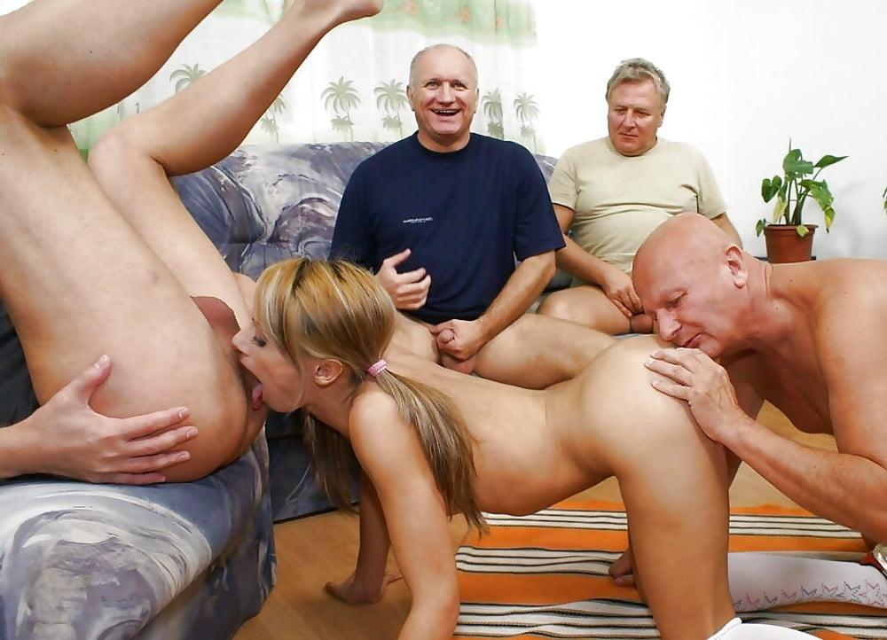 Порно две молодые и старик