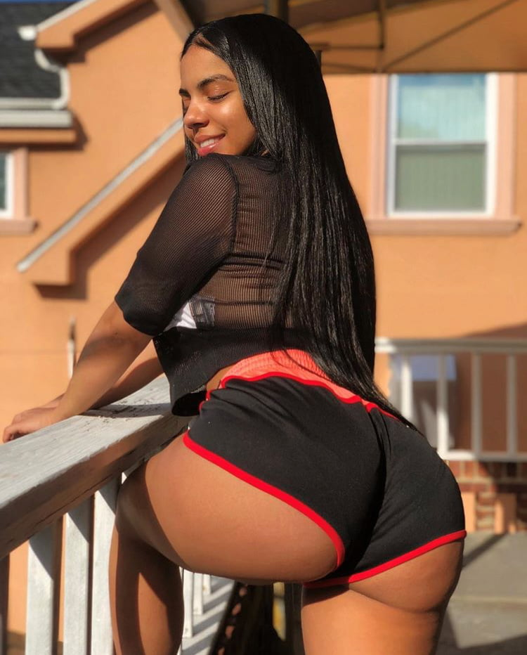 sexy-latina-ass-and-titstures
