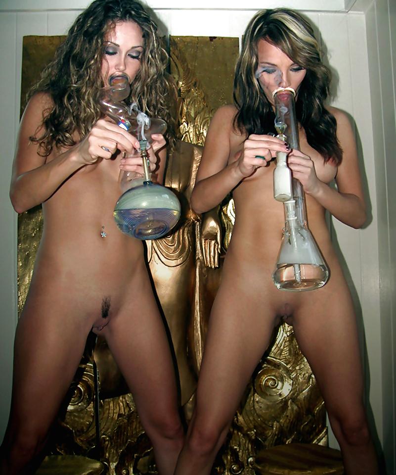 nude-bitches-smoking-weed-bbw-milf-elvira-costume