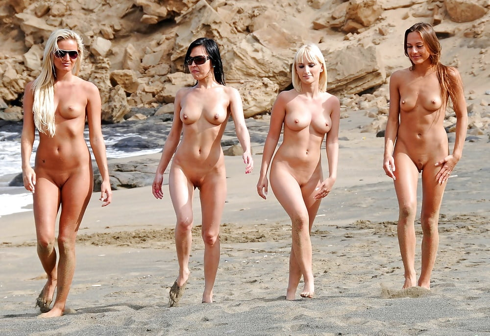 woman-hot-chicks-naked-at-the-beach-nude