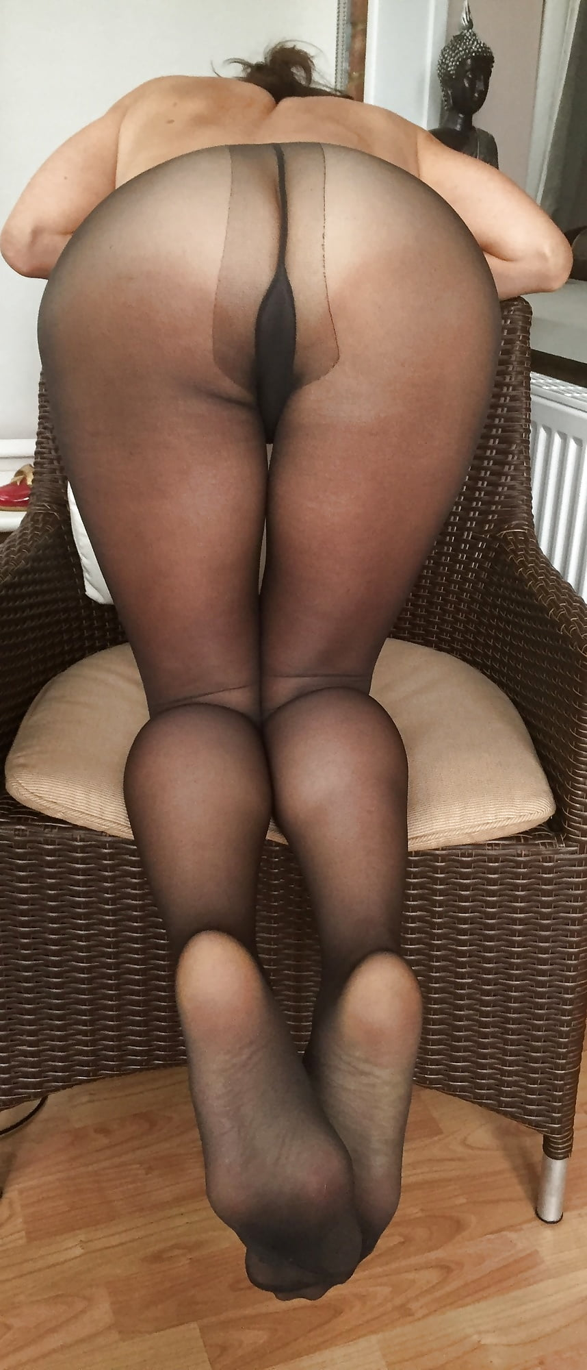 Pantyhose mature buzzed after xmas party - 3 part 8