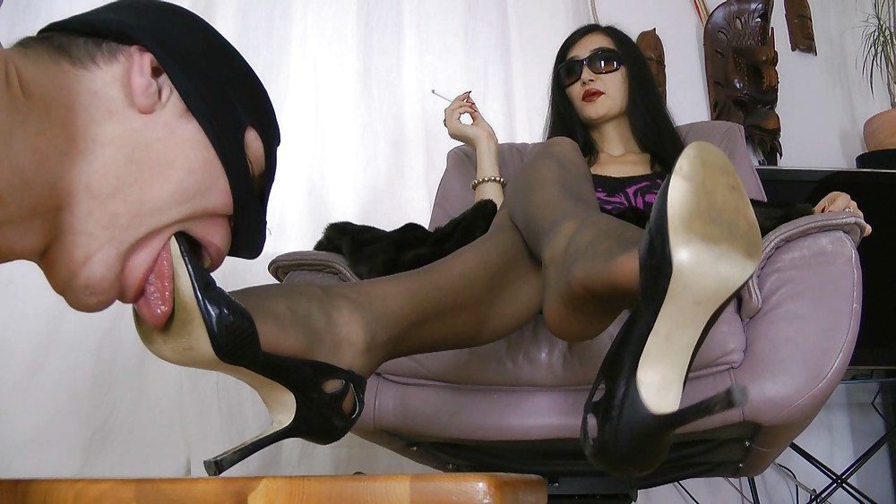 Shoe Worship Of Nasty Twins By Femdom Austria Xhamster Premi Vipergirls 1