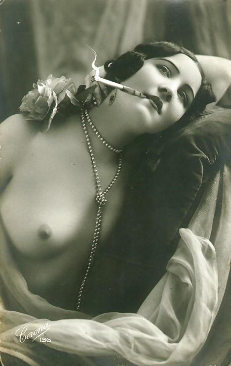 фото женских эротических открыток