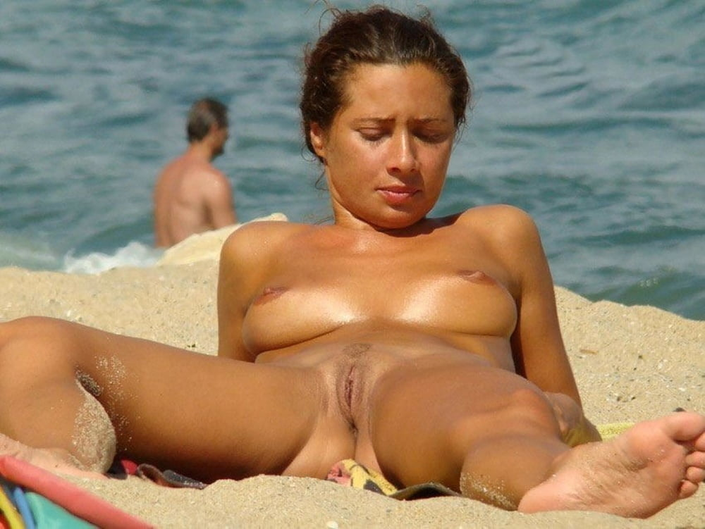Naked girls spread wide