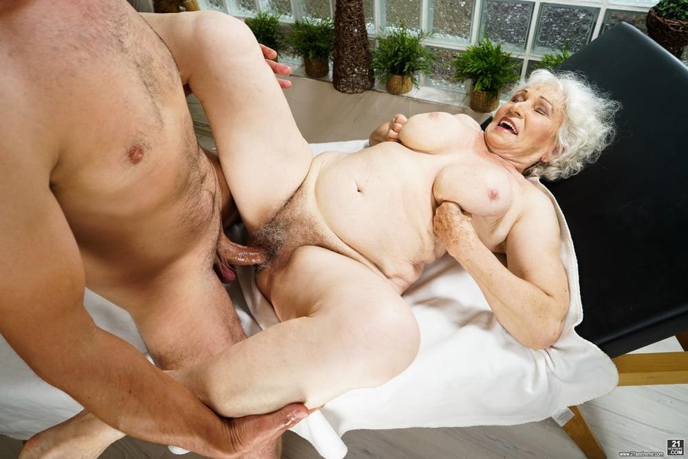 Granny sex club