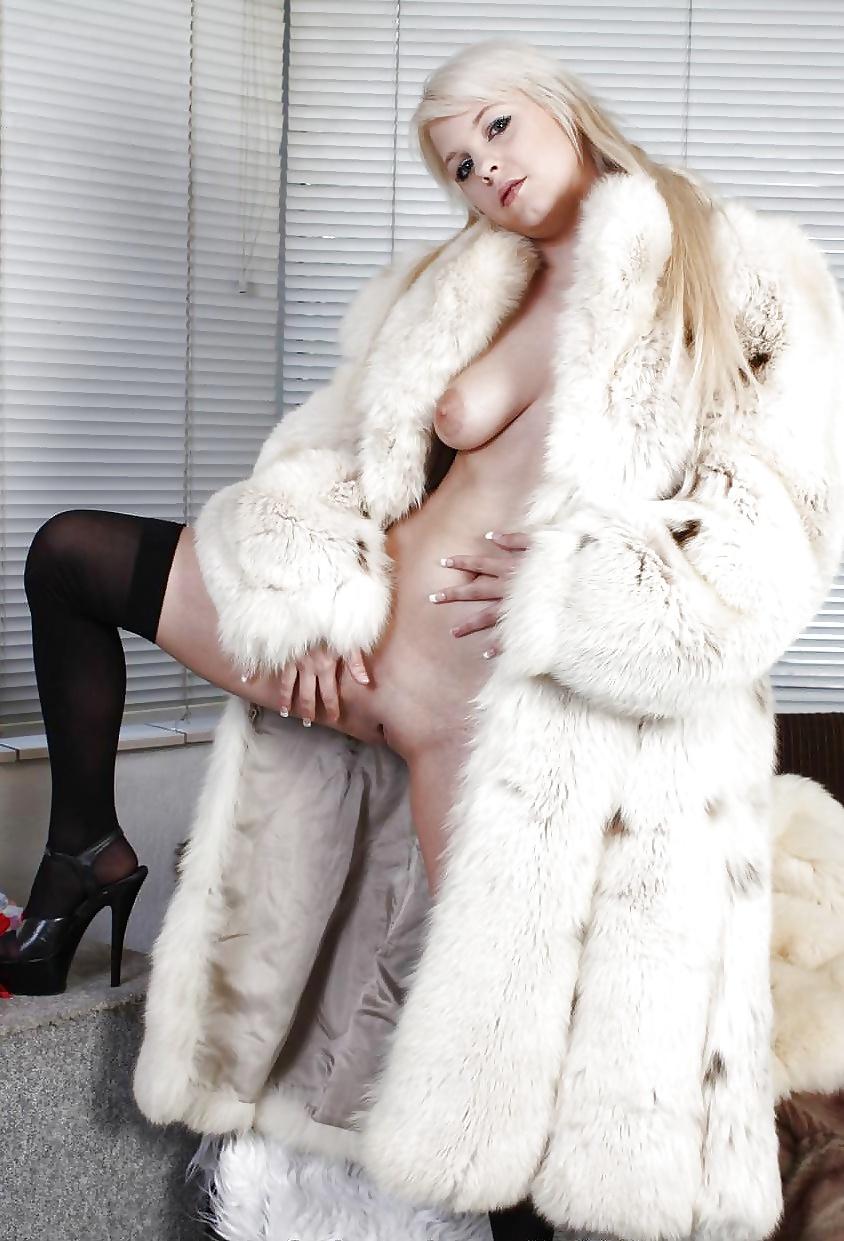 Лижут друг смотреть порно онлайн девушки в шубках зрелая жена муж