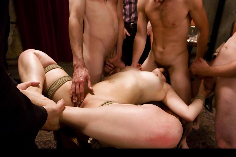 грубый унижение мужем перед порно видео секс