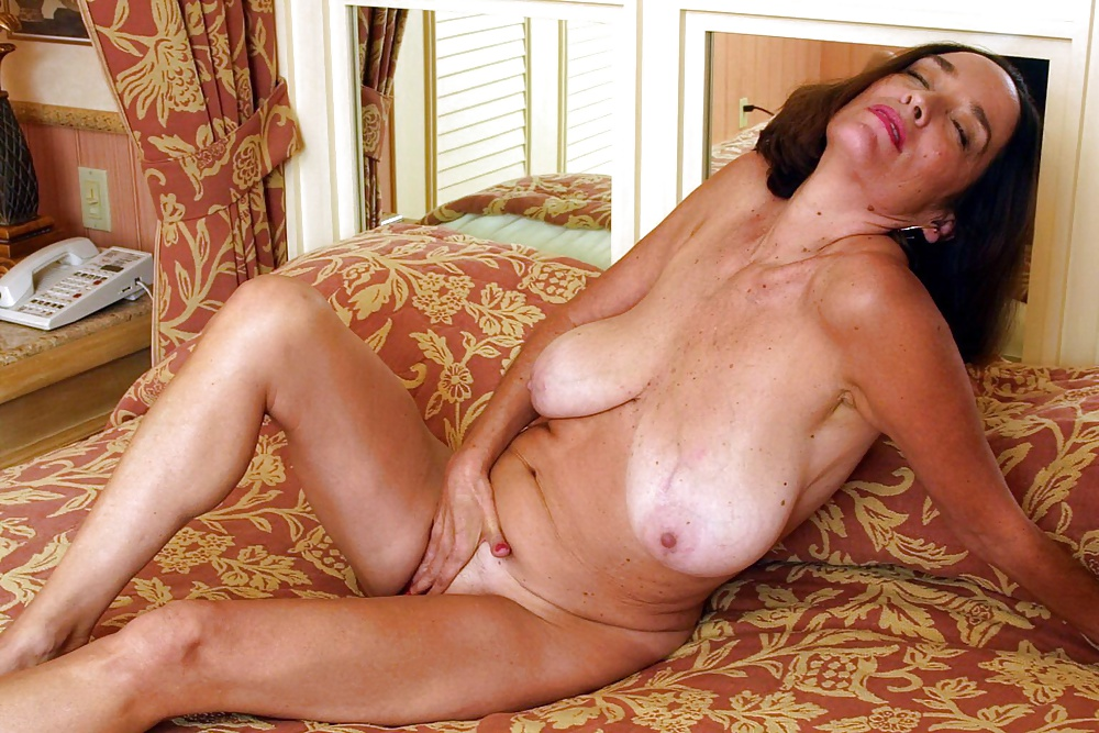 Free big old lady tits mature pictures collection