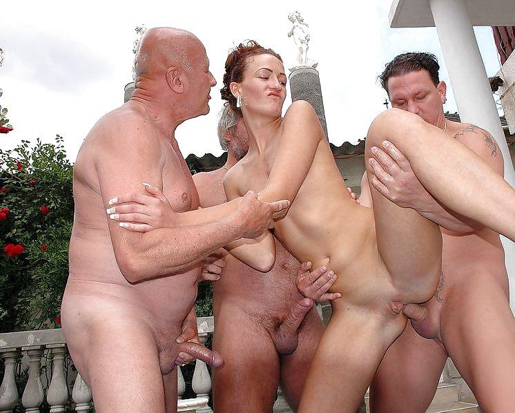 такого секс со стариками групповой фото горячие
