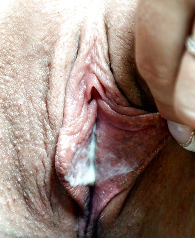 В каких случаях женский влагалища мокрая