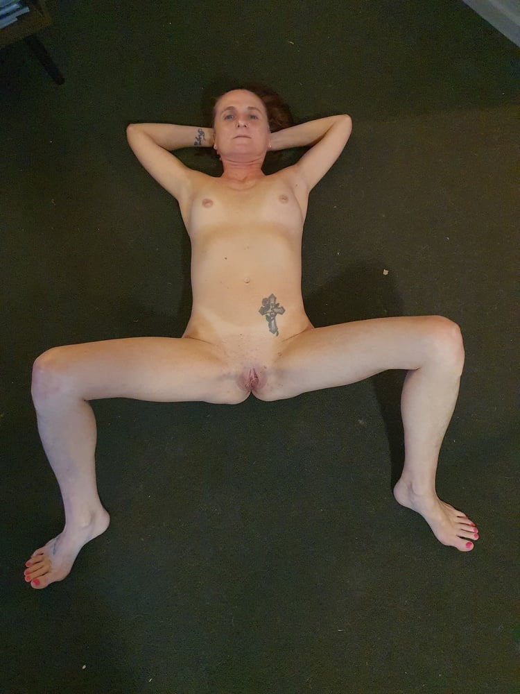More nudes for you- 5 Pics
