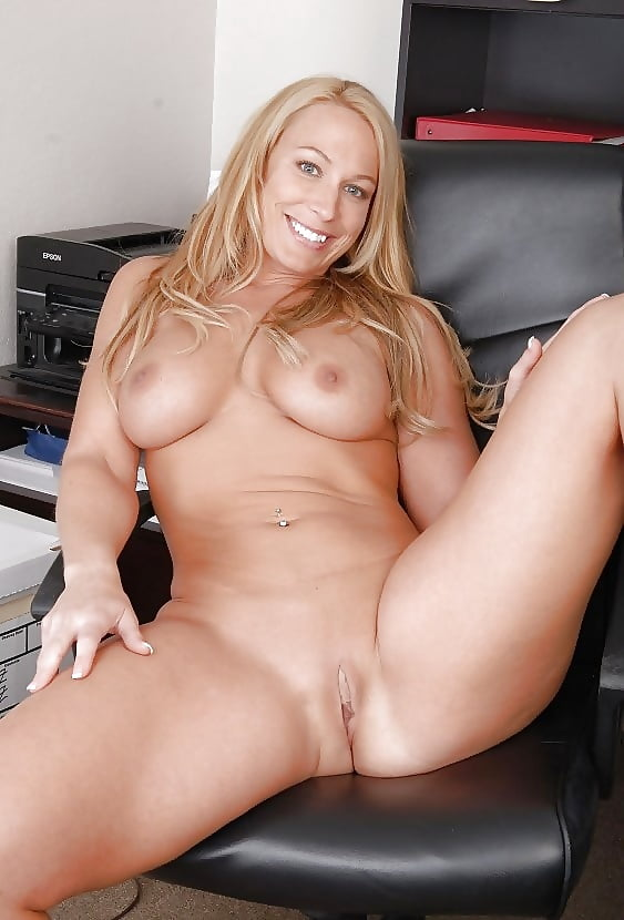 Nude Pussy Milf Cougar Tight Pink Porn Pics