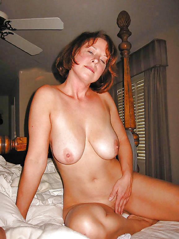 Brunette mom pics, mature porn pictures