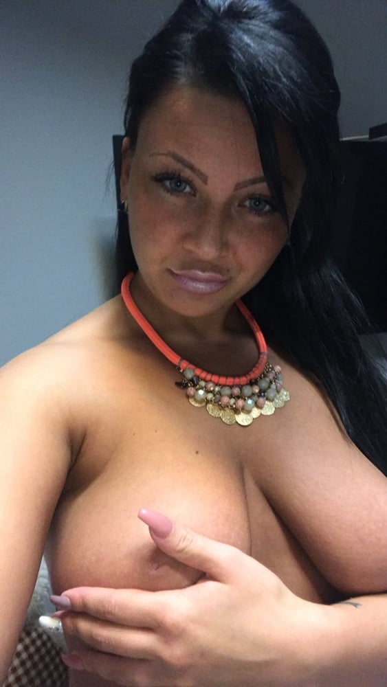 Sunny leone amateur in saree amateur brunette naked