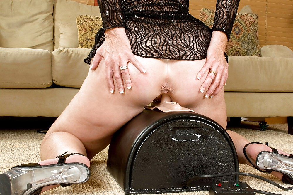 Freshest Mature Women On The Net Featuring Anilos Lucia Love Anysex 1