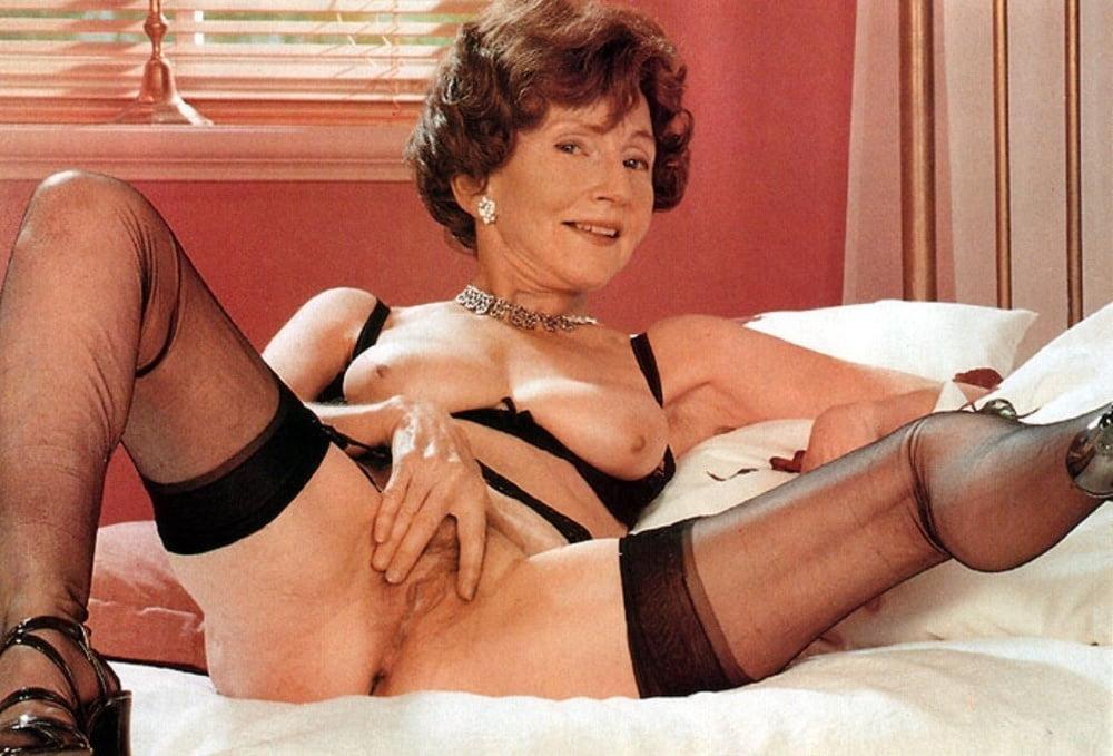 Fresh Vintage Mature Striptease Photo