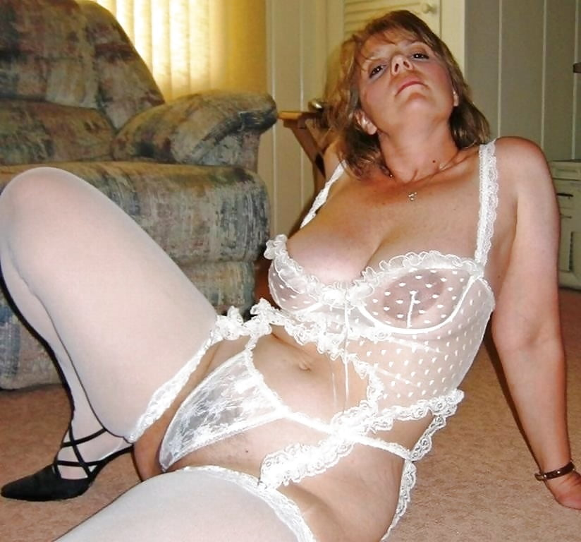 Blue lick genuine free pictures mature lingerie porn with girls