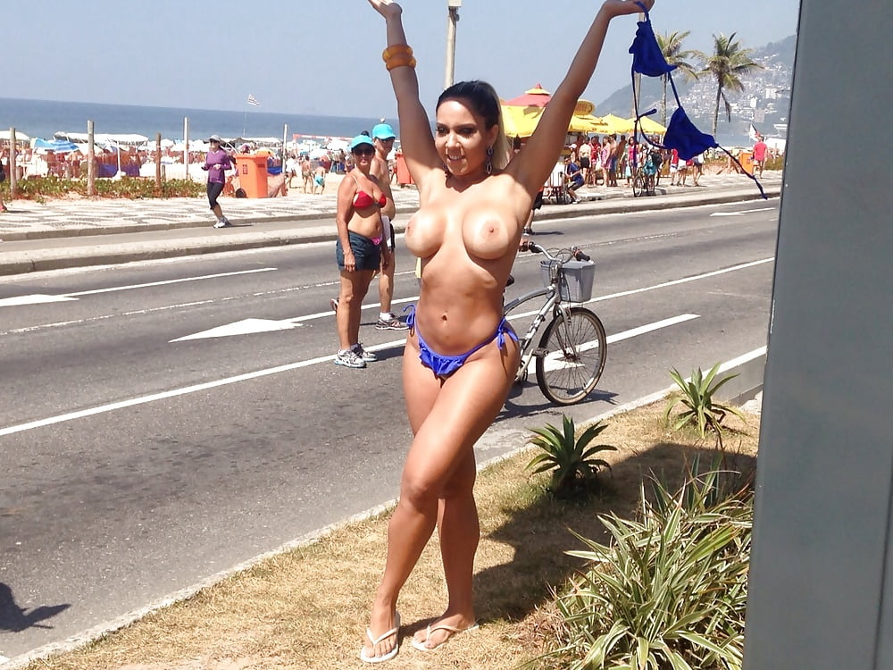 Nude babes public