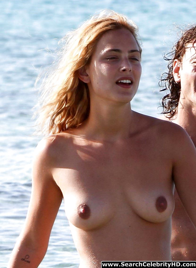 Cleavage Boobs Nora Arnezeder  naked (78 photo), iCloud, butt