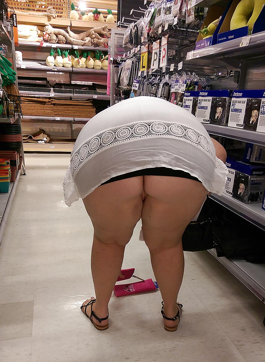 Fatty Booty On Public Upskirt Shots