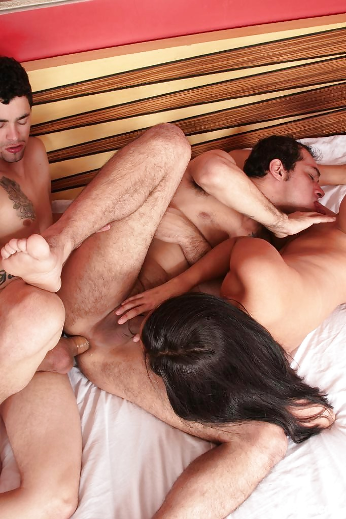 bareback-bisexual-couples-porn